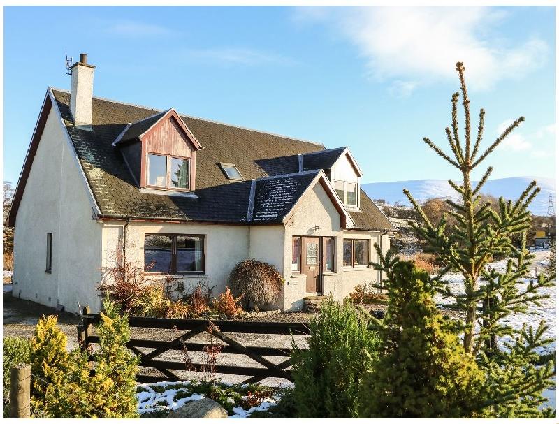 Scottish Cottage Holidays - Corriemhor Beag