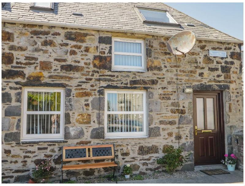 Scottish Cottage Holidays - 2A Meredith Mews